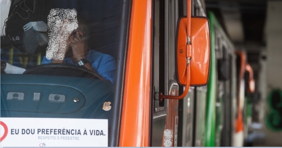 motorista de ônibus celular