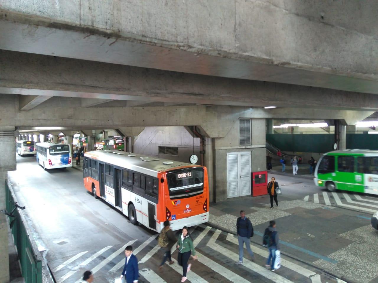 Ônibus municipais de São Paulo operam com 70% da frota, segundo a SPTrans