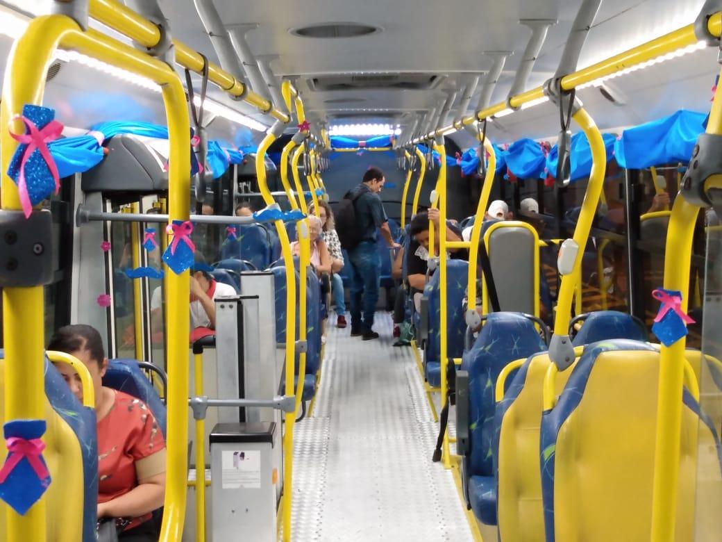 Empresa São José decora ônibus para o Novembro Azul em Franca (SP) - Adamo Bazani