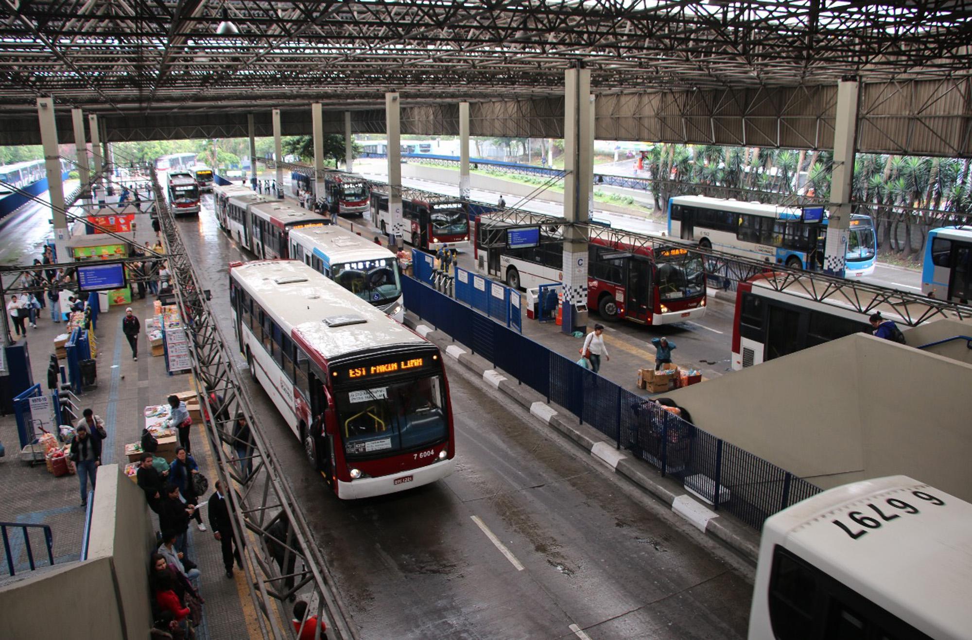 Linha de ônibus da Vila Império, na capital paulista, terá remanejamento de ponto - Adamo Bazani
