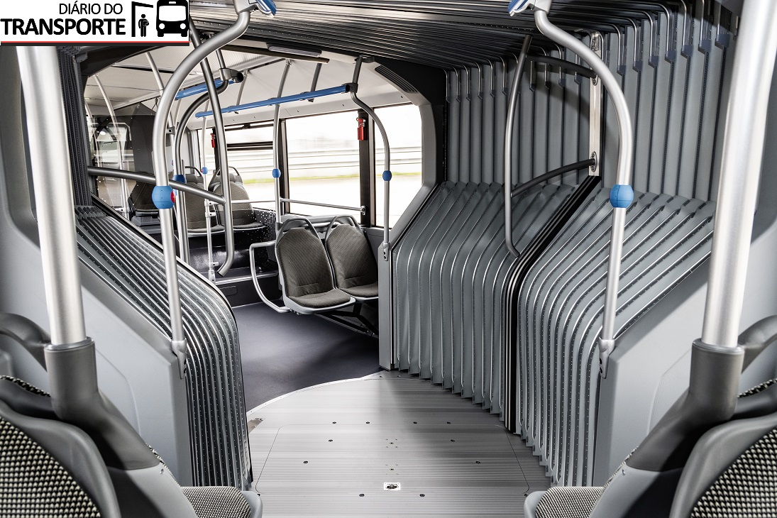 Vollelektrischer Gelenkbus Mercedes-Benz eCitaro G ergänzt Elektrobus-Angebot von Daimler Buses Fully-electric Mercedes-Benz eCitaro G articulated bus complements the electric range from Daimler Buses